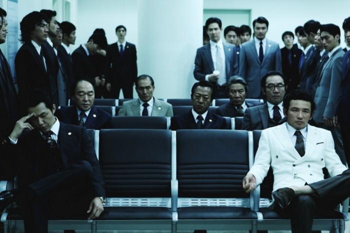 Jeong-min-Hwang-and-Lee-Jeong-jae-in-New-World-2013-Movie-Image-2