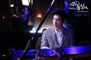 Cunning_Single_Lady-110
