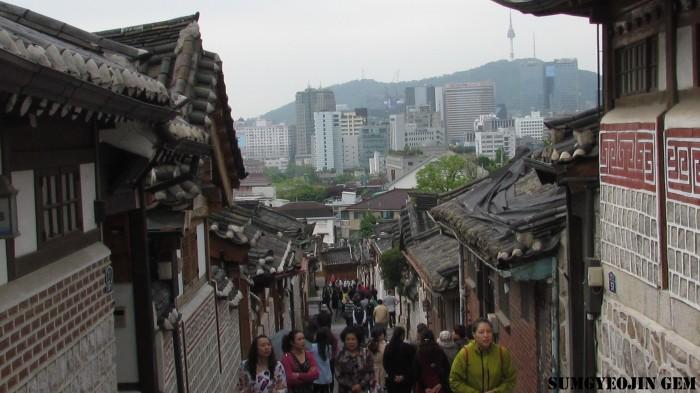 Bukchon Hanok Village 8